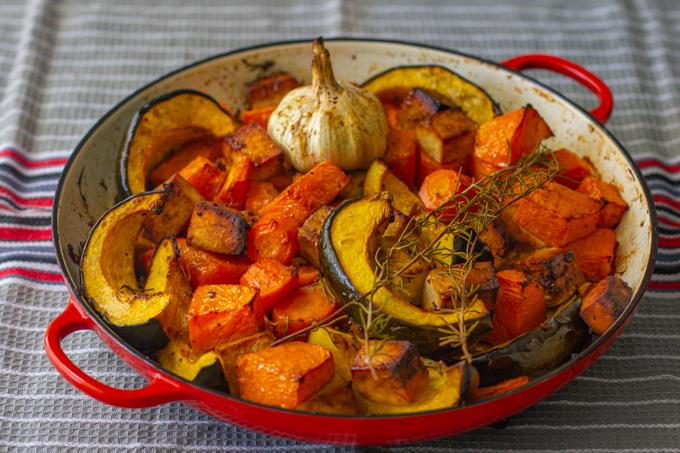 קדירת ירקות כתומים וטופו