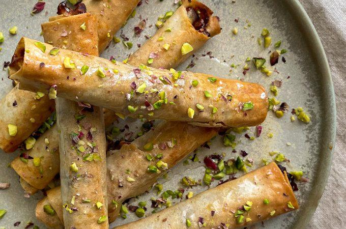 סיגרים מתוקים במילוי פיסטוק, פקאן ותפוחים